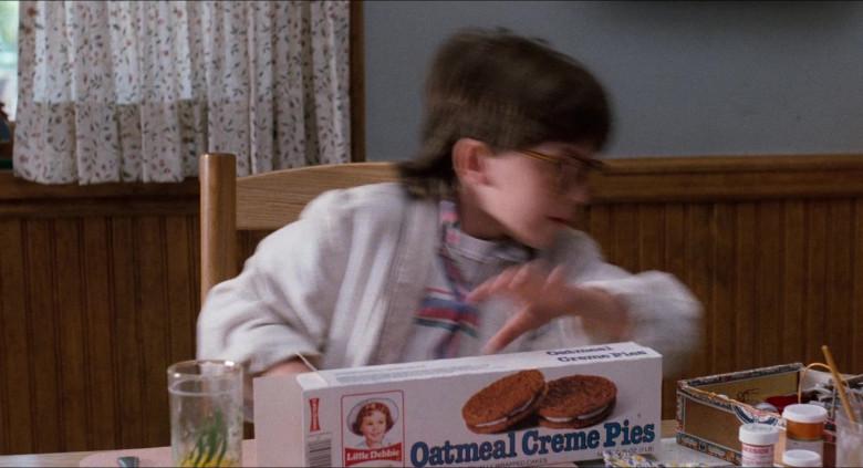 Little Debbie Oatmeal Creme Pies in Honey, I Shrunk the Kids (1989)