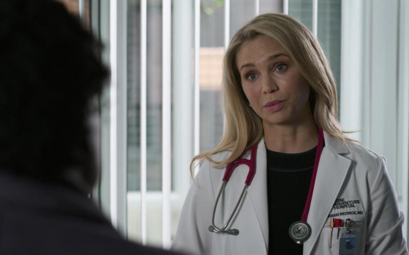 """Littmann Stethoscope of Fiona Gubelmann as Dr. Morgan Reznick in The Good Doctor S04E01 """"Frontline Part 1"""" (2020)"""
