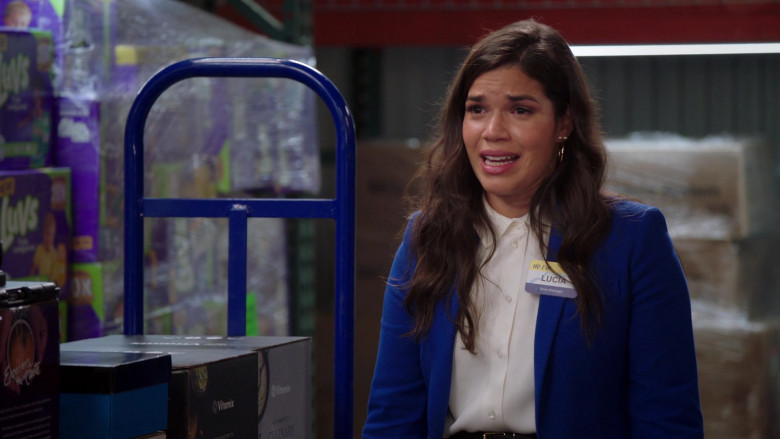 Luvs and Vitamix in Superstore S06E02 California, Part 2 (2020)