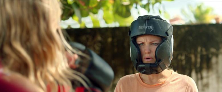 Meister Full-Face Training Head Guard of Malin Åkerman as Anna in Chick Fight Film (1)