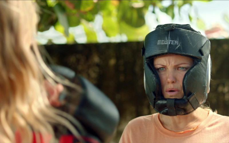 Meister Full-Face Training Head Guard of Malin Åkerman as Anna in Chick Fight Film (1)