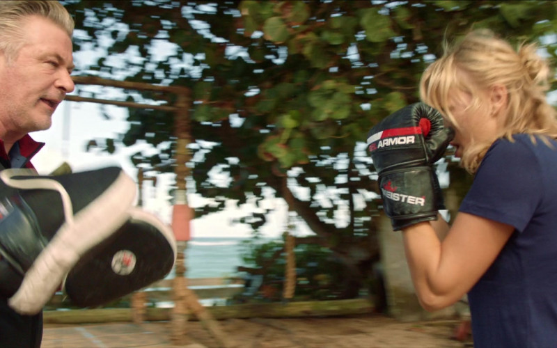 Meister Gel Armor Boxing Gloves of Malin Åkerman as Anna in Chick Fight (2020)