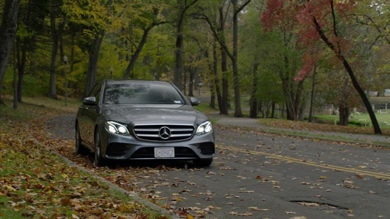 Mercedes-Benz E-Class (E300) Car in The Blacklist S08E02 (1)