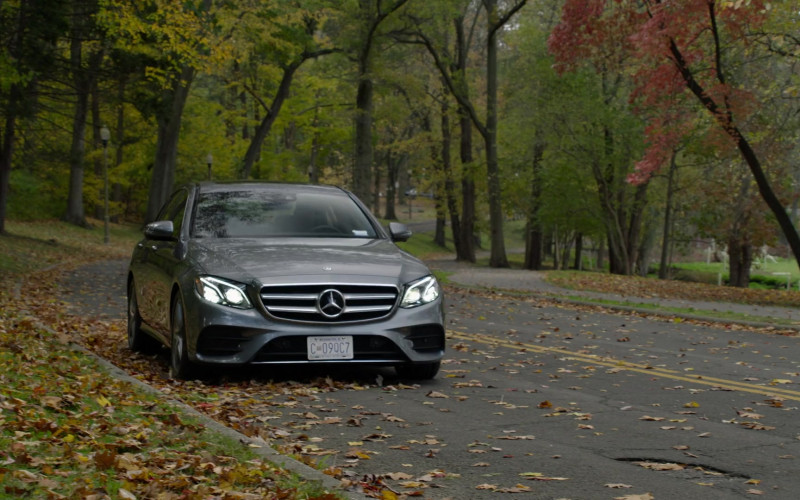 Mercedes-Benz E-Class (E300) Car in The Blacklist S08E02 (1)