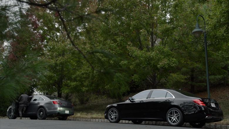 Mercedes-Benz S560 4Matic Black Car in The Blacklist S08E02 (1)