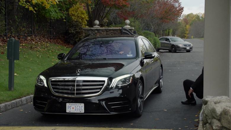 Mercedes-Benz S560 4Matic Black Car in The Blacklist S08E02 (4)
