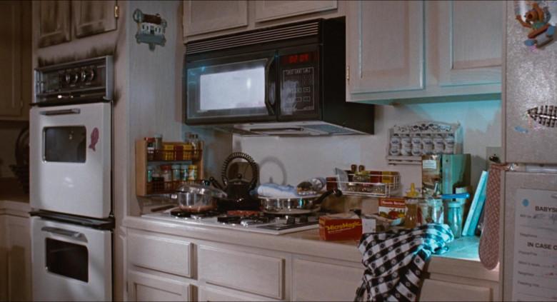 MicroMagic Food Held by Rick Moranis as Wayne Szalinski in Honey, I Blew Up the Kid (2)