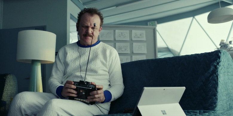 Microsoft Surface Tablet of John C. Reilly as Robert 'Cap' Caputo in Moonbase 8 S01E06 Beef (2020)