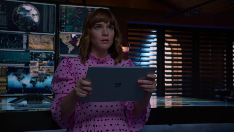 Microsoft Surface Tablet of Renée Felice Smith as Nell Jones in NCIS Los Angeles S12E01