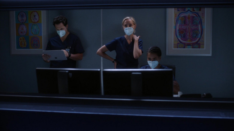 Microsoft Surface Tablets in Grey's Anatomy S17E03 TV Show (3)