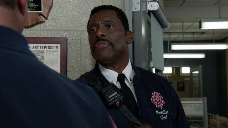 Motorola Radio of Eamonn Walker as Battalion Chief Wallace Boden in Chicago Fire S09E01 Rattle Second City (2020)