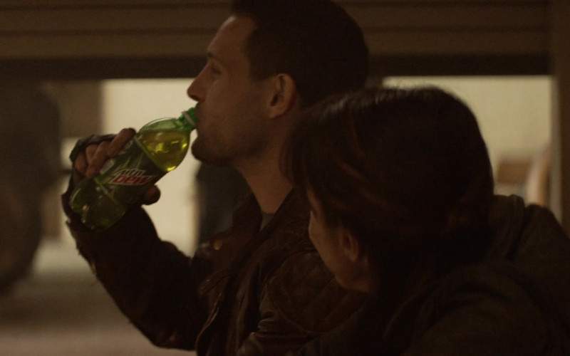 Mountain Dew Soda ENjoyed by Actors in The Walking Dead World Beyond S01E07 TV Show (1)