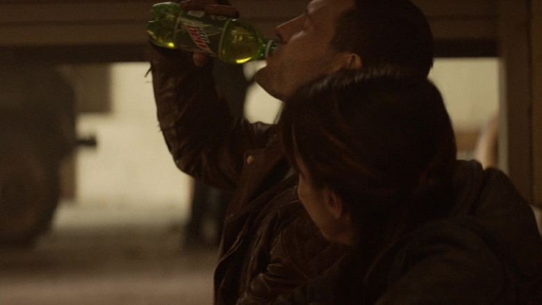 Mountain Dew Soda ENjoyed by Actors in The Walking Dead World Beyond S01E07 TV Show (2)