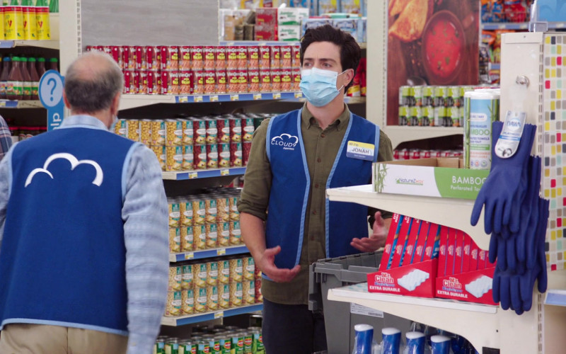 NatureZway Bamboo Perforated Paper Towels and Mr. Clean in Superstore S06E03 Floor Supervisor (2020)