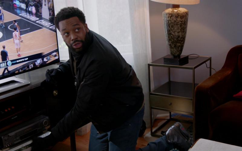 Nike Air Jordan 9 Black Sneakers of LaRoyce Hawkins as Officer Kevin Atwater in Chicago P.D. S08E02 TV (1)