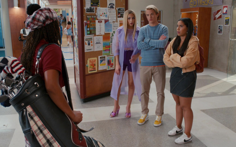 Nike Cortez Classic Low Cut White Sneakers of Haskiri Velazquez as Daisy Jimenez in Saved by the Bell S01E09