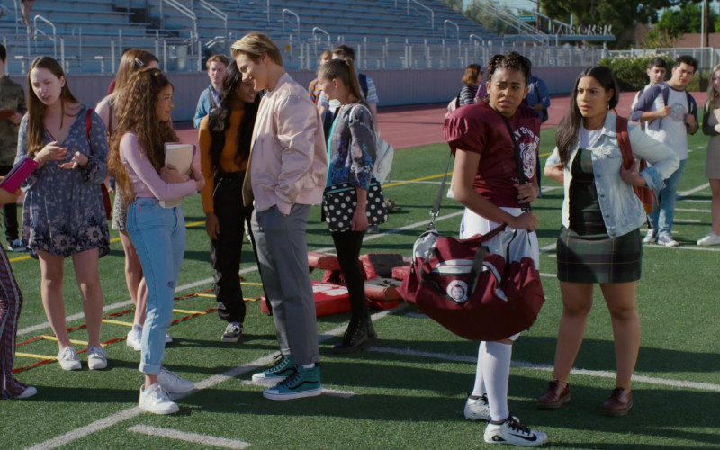 Nike Football Shoes of Alycia Pascual-Peña as Aisha Garcia in Saved by the Bell S01E02