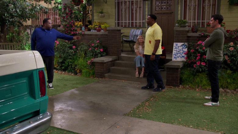 Nike Killshot 2 Shoes of Max Greenfield as Dave in The Neighborhood S03E01 TV Show (2)