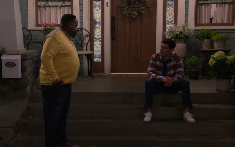 Nike Killshot 2 White Shoes of Max Greenfield as Dave in The Neighborhood S03E02 (1)
