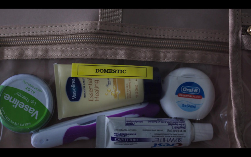 Oral-B Essential Floss, Crest 3D White Toothpaste and Vaseline in The Flight Attendant S01E02 Rabbits (2020)
