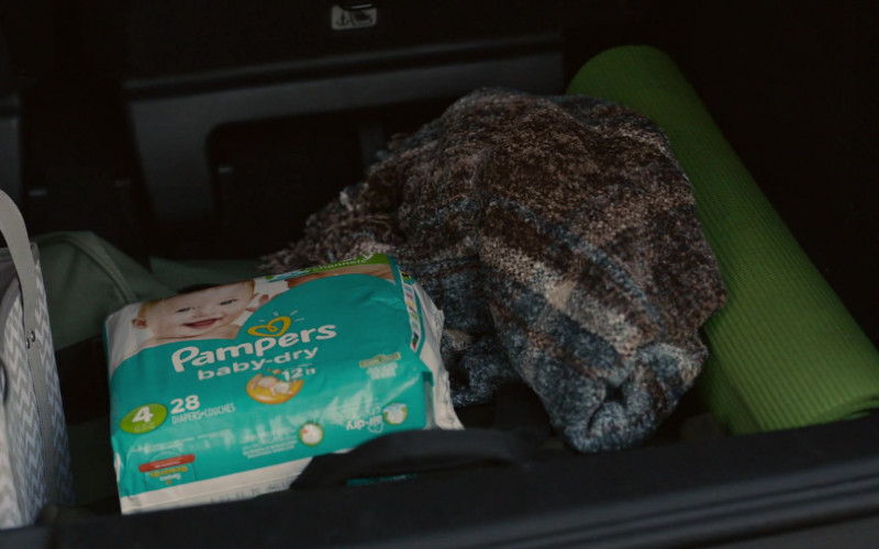 Pampers Baby-Dry Diapers in This Is Us S05E03 Changes (2020)