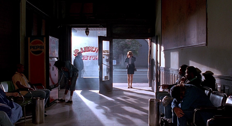 Pepsi Vending Machine in The Real McCoy (1)