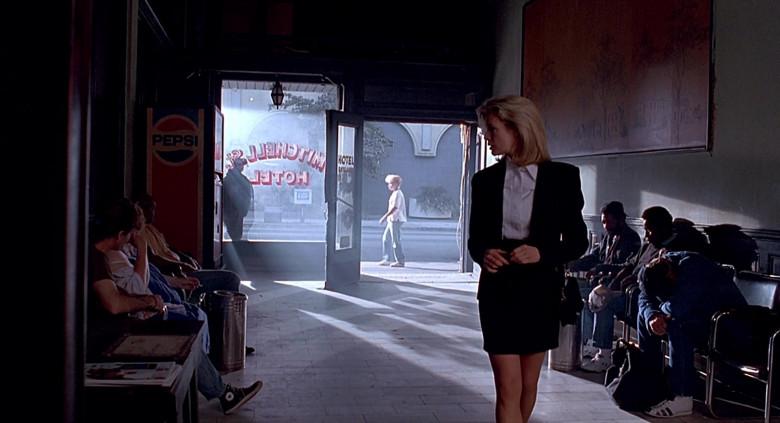 Pepsi Vending Machine in The Real McCoy (2)