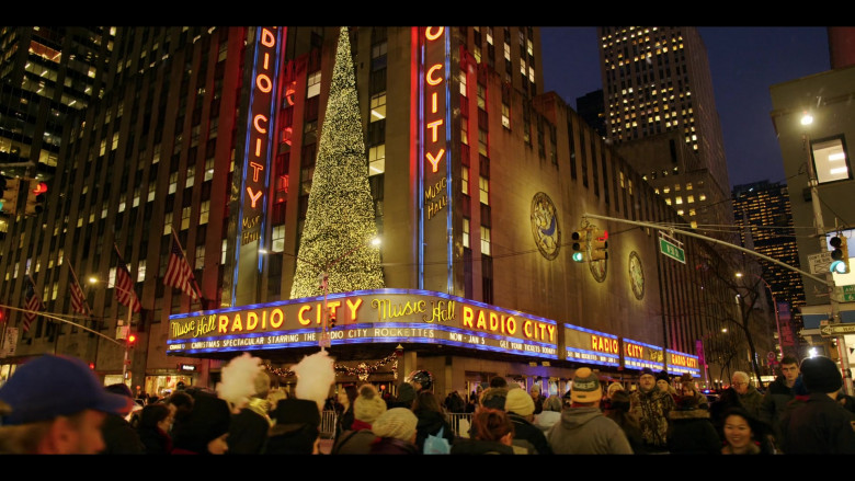 Radio City Music Hall in Dash & Lily S01E01 Dash (2020)