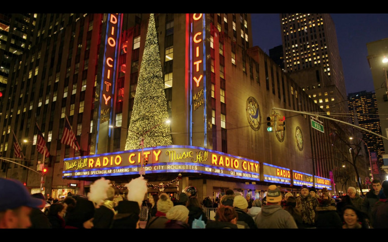 Radio City Music Hall in Dash & Lily S01E01 Dash (2020)