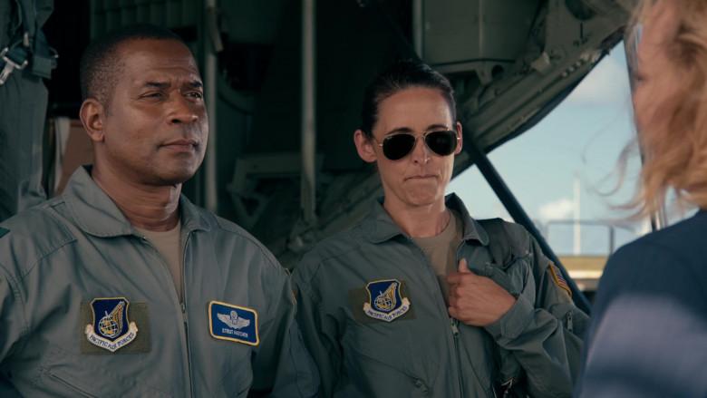Ray-Ban Aviator Women's Sunglasses in Operation Christmas Drop Movie (1)