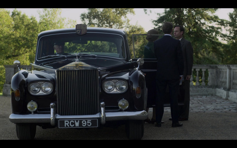 Rolls-Royce Car in The Crown S04E04 Favourites (2020)