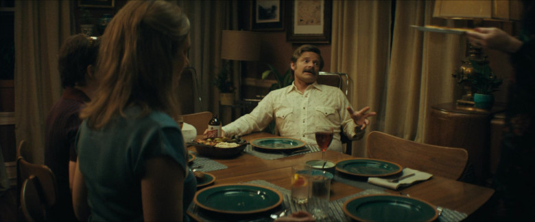 Schlitz Beer Enjoyed by Steve Zahn as Mike Bledsoe in Uncle Frank Movie (1)