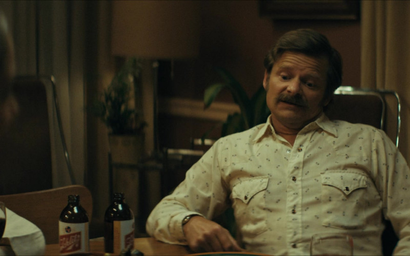 Schlitz Beer Enjoyed by Steve Zahn as Mike Bledsoe in Uncle Frank Movie (2)