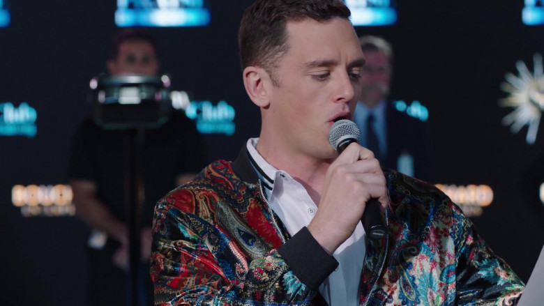 Shure Microphone in Filthy Rich S01E08 James 41 (2020)