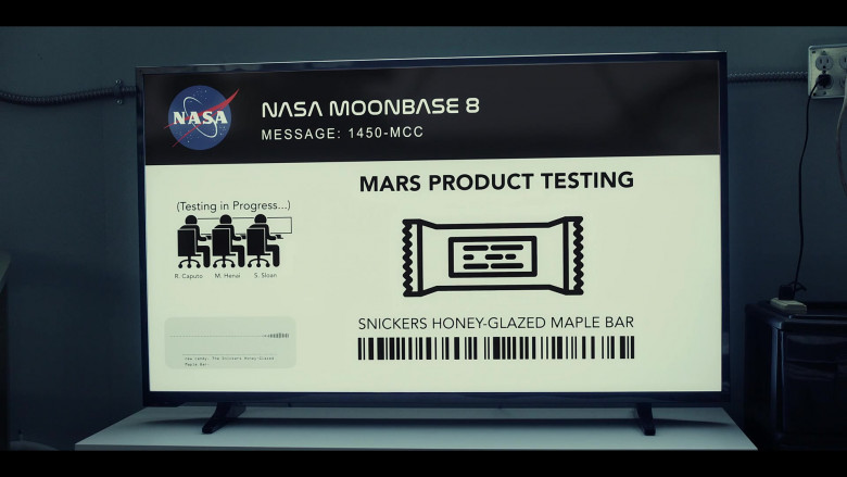 Snickers Honey-Glazed Maple Bar in Moonbase 8 S01E04 TV Show (1)