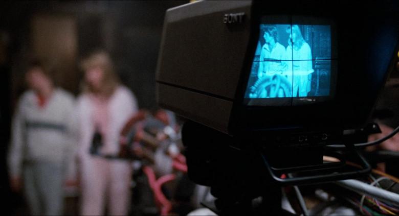Sony Camera in Honey, I Shrunk the Kids (1989)
