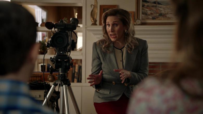 Sony Camera in Young Sheldon S04E01 Graduation (2020)