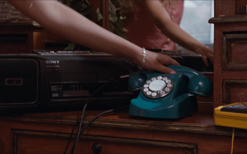 Sony Cassette Recorder in Honey, I Blew Up the Kid (1992)