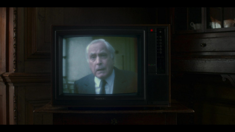 Sony TV in The Crown S04E02 The Balmoral Test (2020)