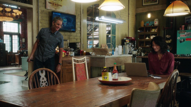 Steen's Syrup in NCIS New Orleans S07E01 Something in the Air, Part 1 (2)
