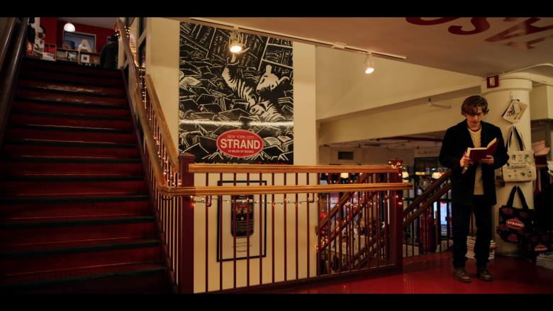 Strand Book Store in Dash & Lily S01E01 (4)