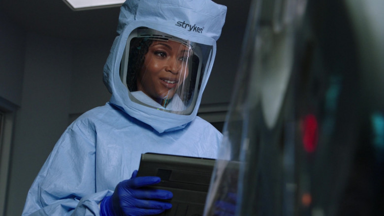 Stryker Protection Equipment of Yaya DaCosta as April Sexton in Chicago Med S06E02 TV Show (4)