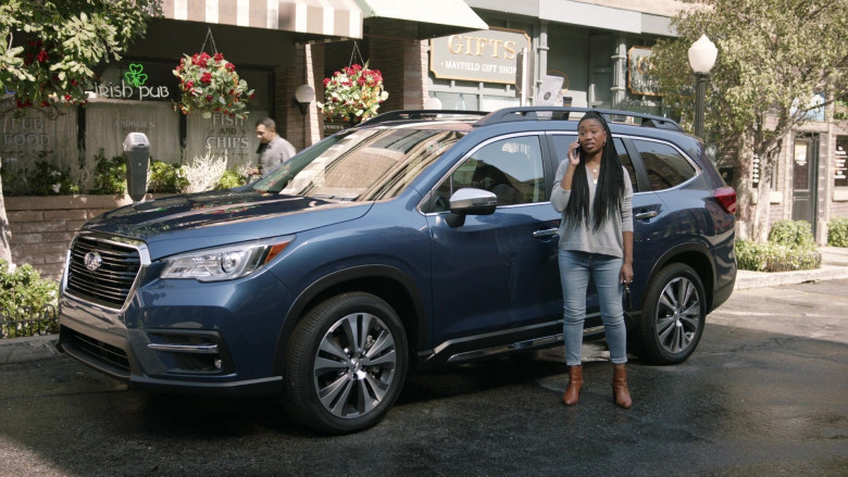 Subaru Ascent Blue Car of Maya Lynne Robinson as Michelle in The Unicorn S02E01 There's Something About Whoever-She-Was (2020)