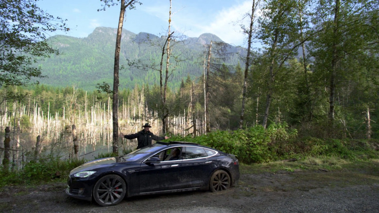 Tesla Model S Black Car of Terry Chen as Mitchell Banks in Big Sky S01E01 TV Show (4)