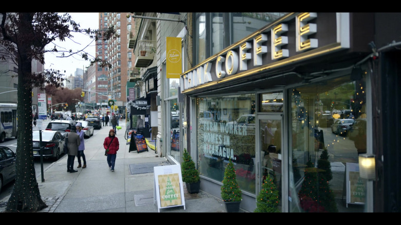 Think Coffee NYC in Dash & Lily S01E02 Lily (2020)