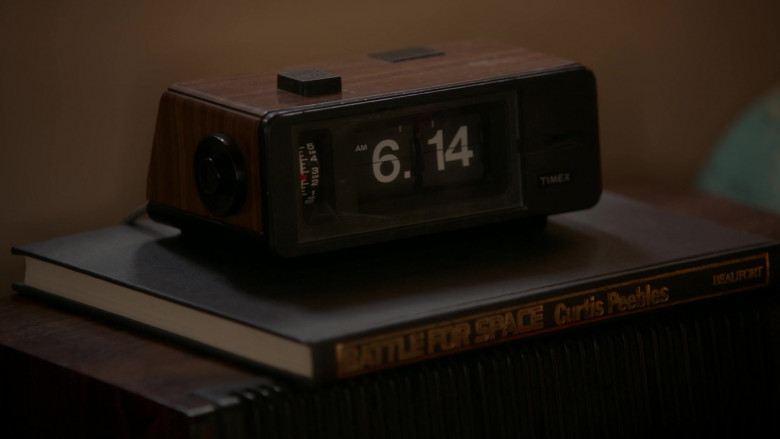 Timex Clock in Young Sheldon S04E03