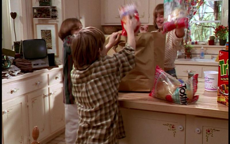 Tostitos Tortilla Chips in Honey, We Shrunk Ourselves! (1997)