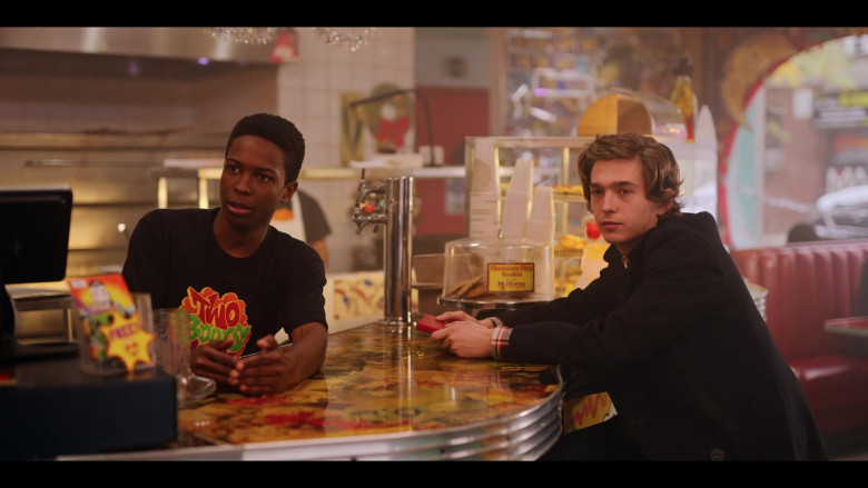 Two Boots Pizza T-Shirt of Dante Brown as Boomer in Dash & Lily S01E03 TV Show (2)