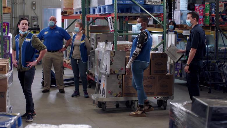 Vitamix Blenders and Cottonelle in Superstore S06E03 Floor Supervisor (2020)