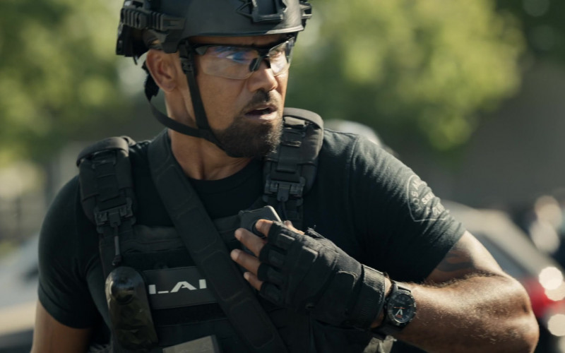 5.11 Tactical Watch of Shemar Moore as Daniel 'Hondo' Harrelson in S.W.A.T. S04E05 (1)
